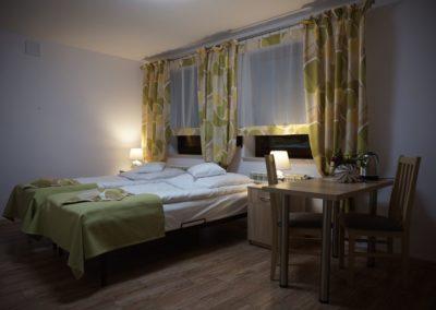 Pokoje w Ślesinie-pokój3-Gościniec (2)