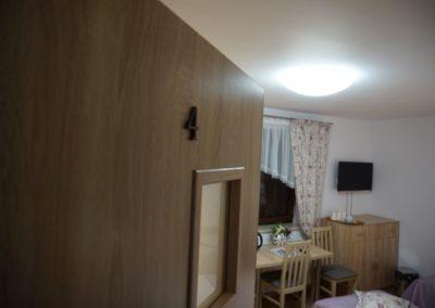 Pokoje w Ślesinie-pokój4-Gościniec (1)