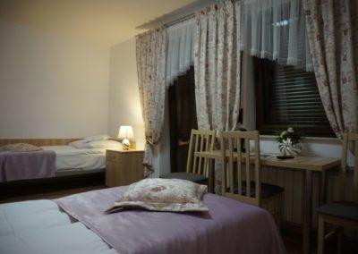 Pokoje w Ślesinie-pokój4-Gościniec (3)