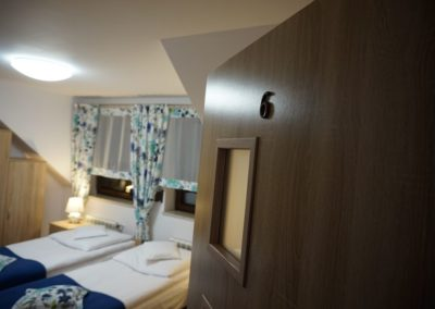 Pokoje w Ślesinie-pokój6-Gościniec (1)