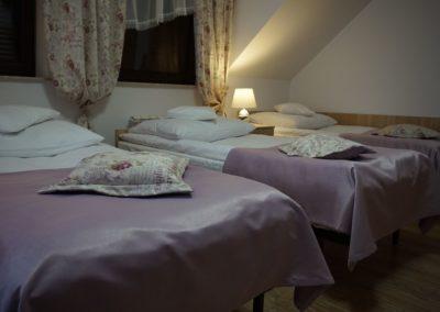 Pokoje w Ślesinie-pokój7-Gościniec (2)
